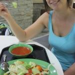 Anita beim indisch Essen